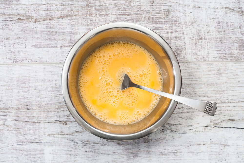 Tip: drop CBD oil directly into egg, then pour over kibble